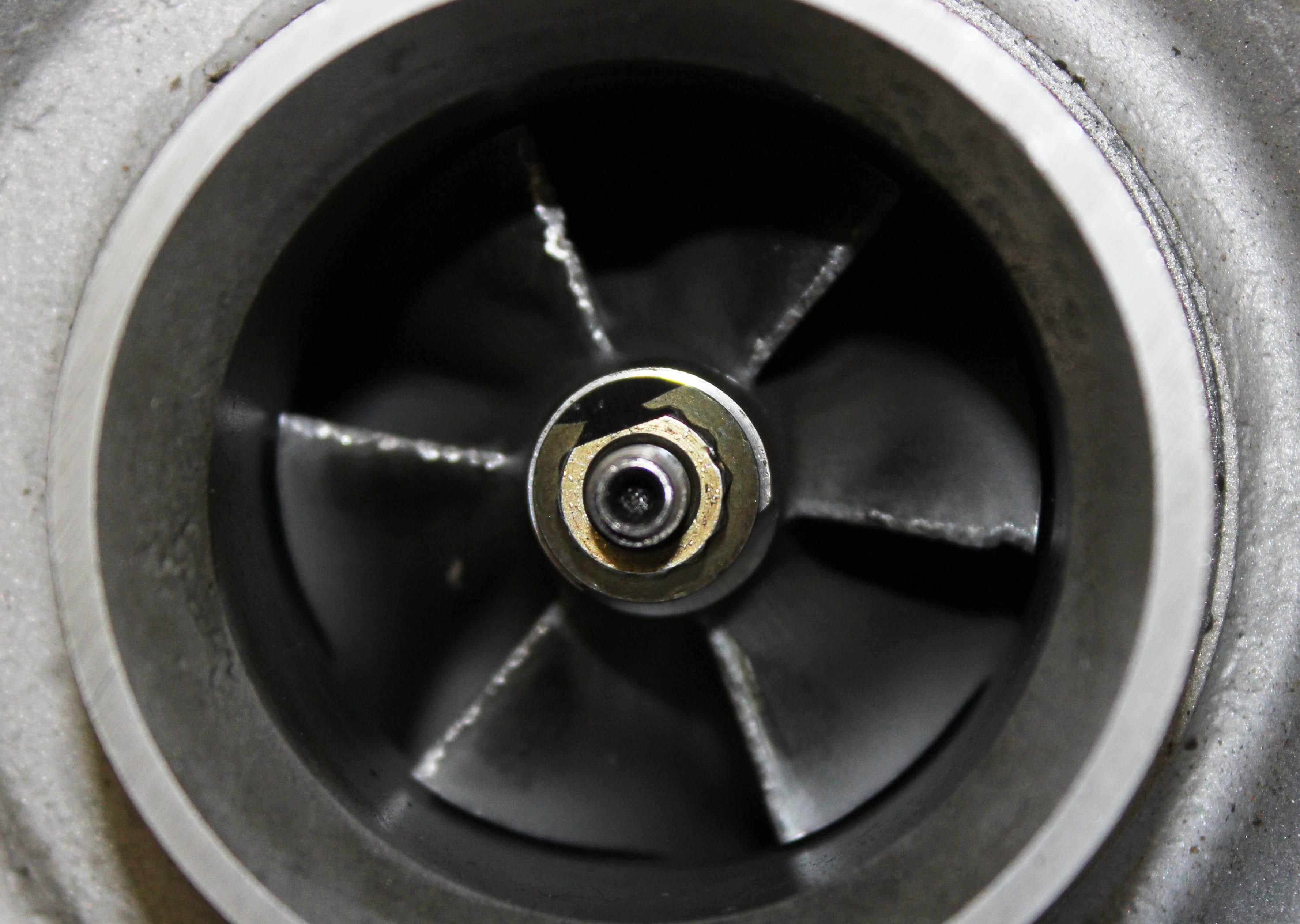 ölleitung oelvorlaufleitung turbolader thp